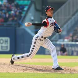 Young LG Twins Pitchers Combine for Win