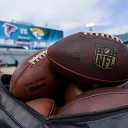 대학 축구와 NFL 축구 베팅의 차이점